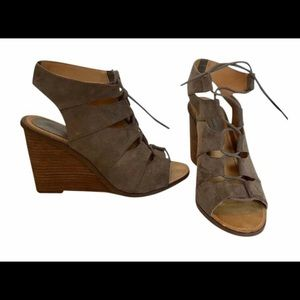 Melrose and Market Women's gray wedges -Size 10